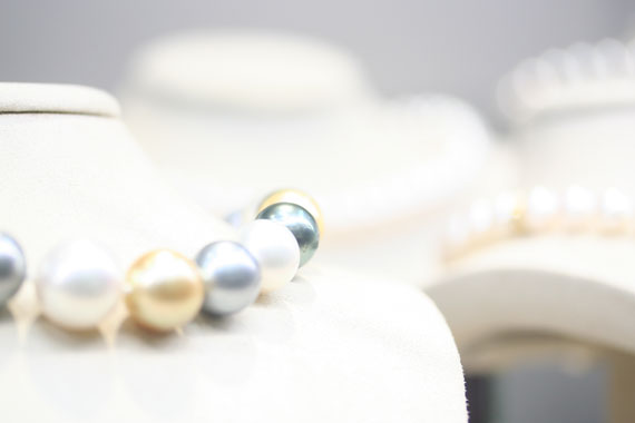 Why Pearl Comes in Many Sizes and Shapes?