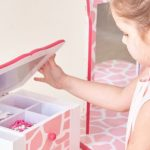 4 Tips for Buying Silver Jewelry for Children